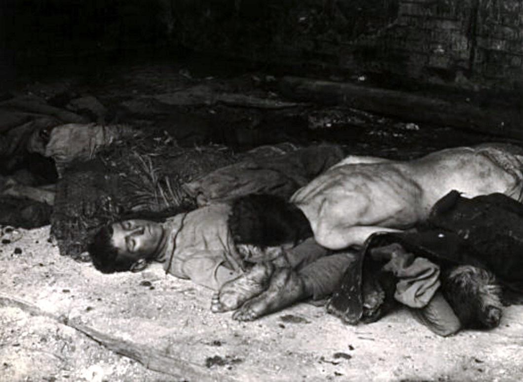Подростки, умершие от голода. Бузулук