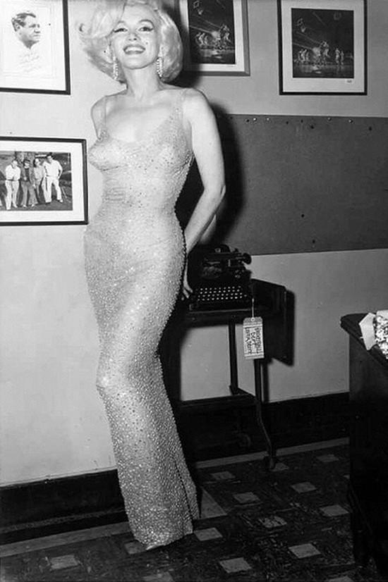 1. Мэрилин Монро в первом «голом» платье, 1962 год После нарядов гостей последней церемонии «Оскар»,