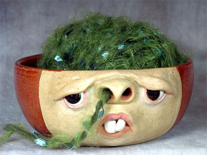 «Я обожаю глину. Я обожаю лепить лица. Мне нравится лепить лица из глины. Я счастливее всех на свете