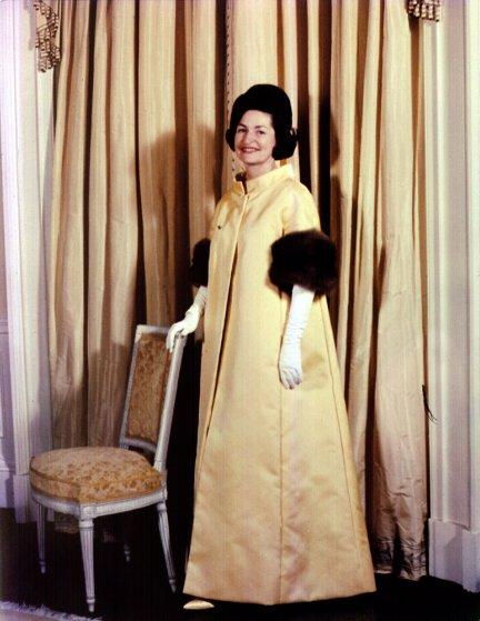 1963 год, Леди Берд Джонсон в платье от John Moore. В 1964 году она так описывала Time свои взгляды