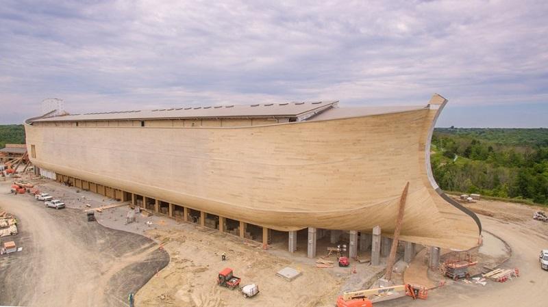 Готовый макет имеет длину 155 метров, ширину — 26 и высоту — 28 метров. Единственной компанией, кото