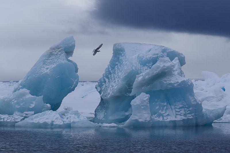 Кунгурская ледяная пещера на Урале. Фотография Владимира Чуприкова.
