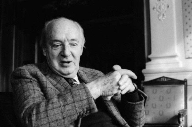 Кроме литературной деятельности, Набоков интересовался энтомологией, в частности — изучением б