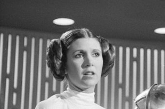 ВСША скончалась исполнительница роли принцессы Леи