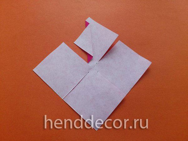 Необычная новогодняя снежинка из бумаги