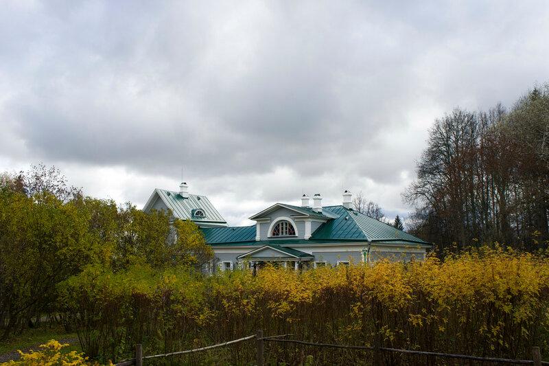 2016-10-16_025, МО, Шахматово музей А_А_Блока, Главный дом.jpg
