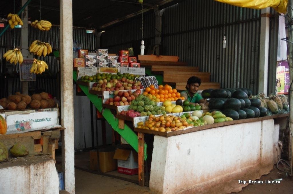 Продажа фруктов в Индии