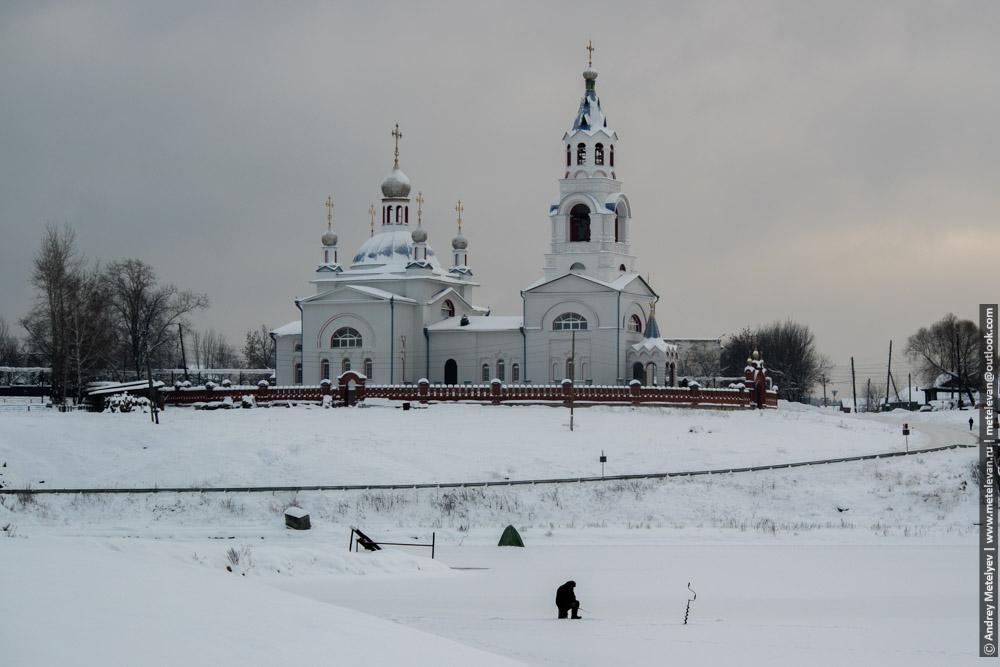Церковь Успения Пресвятой Богородицы в поселке Новоуткинск