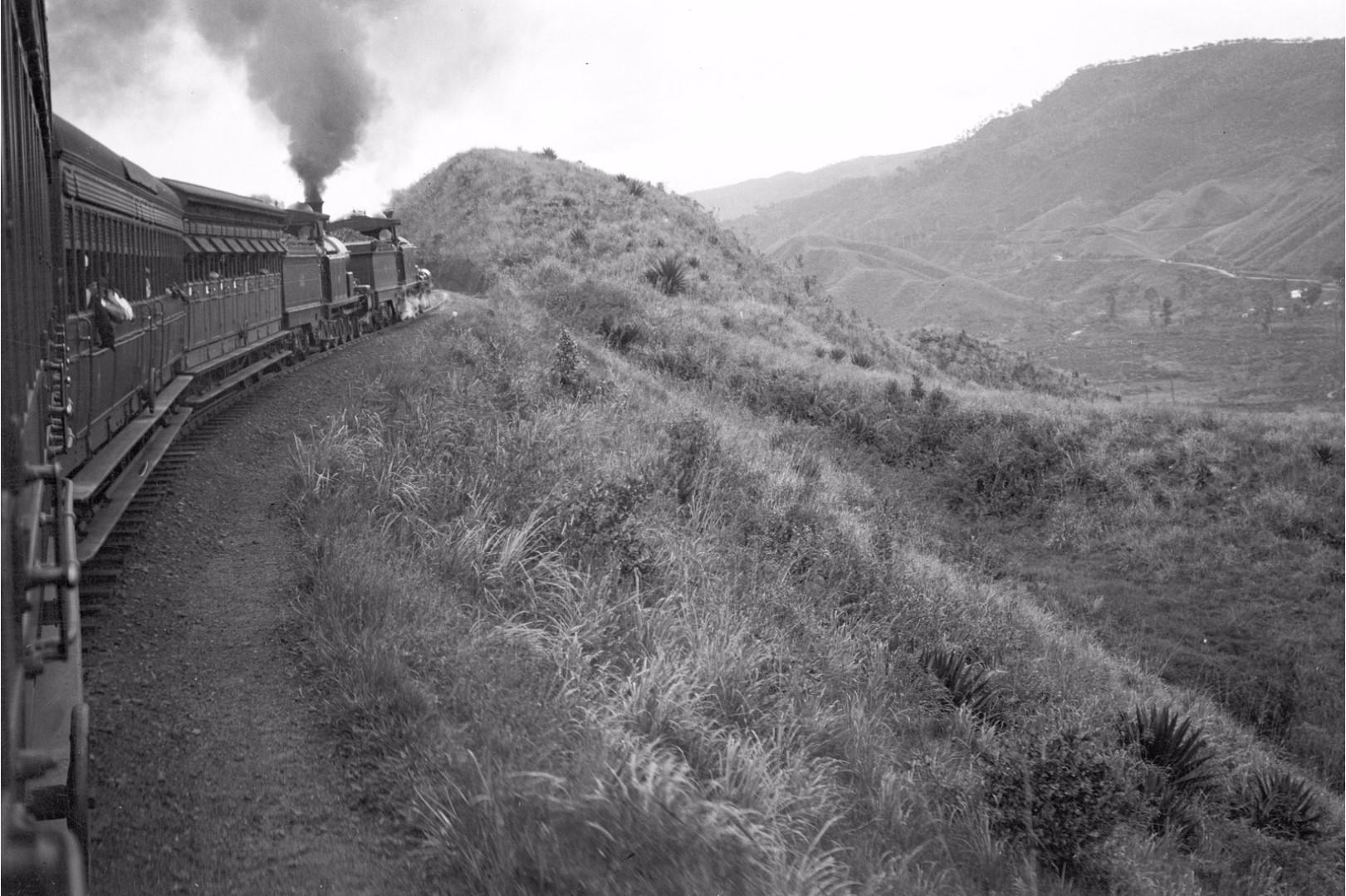 201. Поезд из Бадуллу в Канди. Вид с поезда