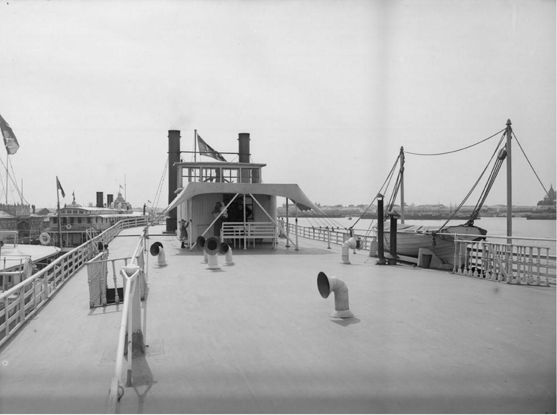 1903. Верхняя палуба заднеколесного парохода. Общий вид. Нижний Новгород
