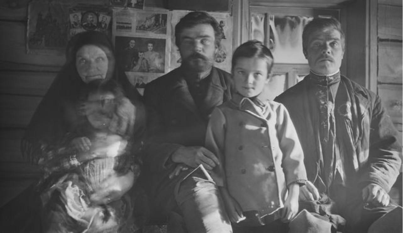 Маковское. Семейное фото.Александр Бармин и его брат Семён