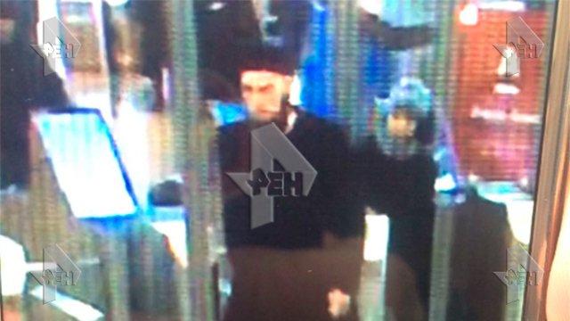 Предполагаемый террорист с камер видеонаблюдения.jpg