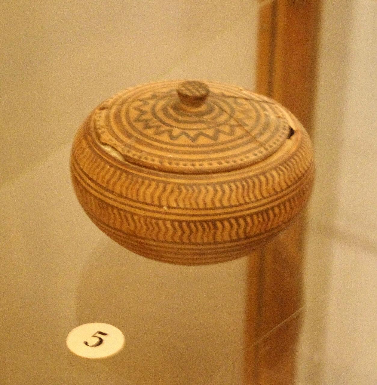 Пиксида с крышкой. Беотия. Пер. пол. VIII в. до н.э.