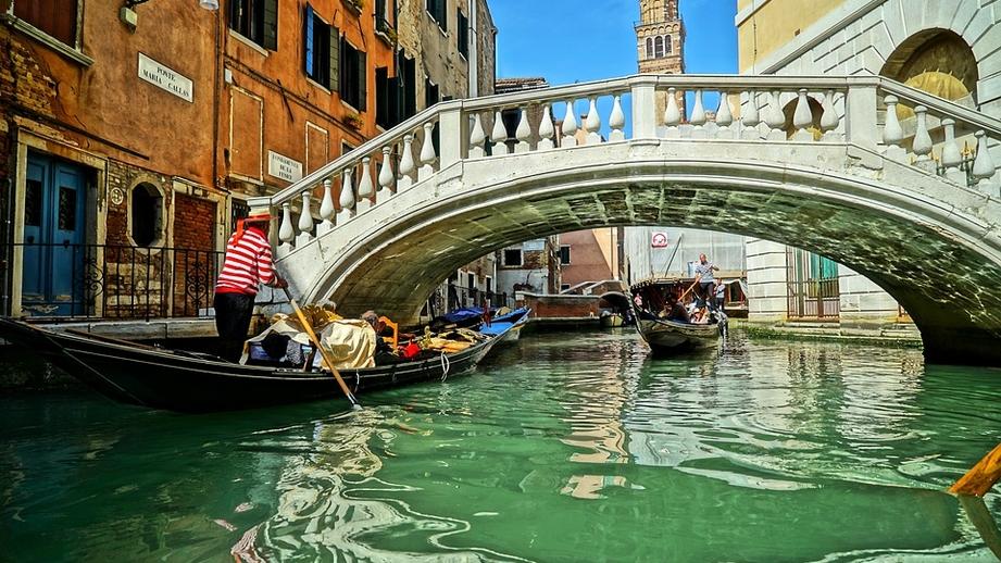 Власти Венеции решили ограничить количество приезжающих туристов