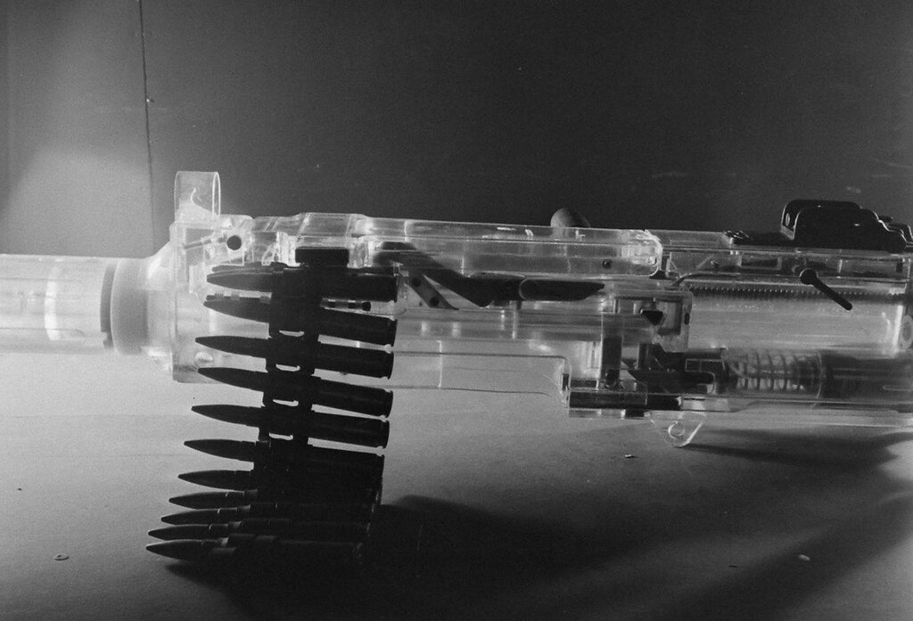 ABERDEEN Plastics - 1945 Manufacture of transparent plastic items for the Ordnance School to visualize the inner workings. Photos Sam Shere.