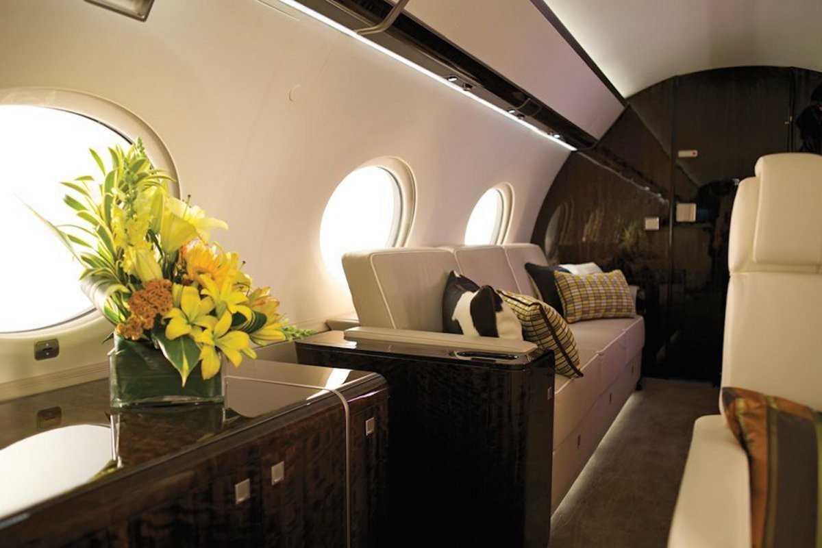 7. За 65 млн долларов вы можете купить Gulfstream G650. У него самый длинный и широкий салон среди в