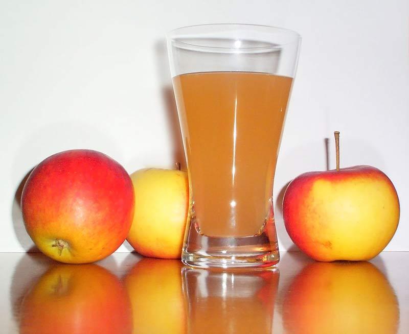 2. Пейте яблочный сок Как показали исследования Массачусетского университета, яблочный сок повышает