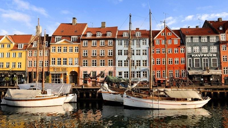 В целом датчане не очень религиозны, по данным исследования 2005 года. Дания третья по количеству ат