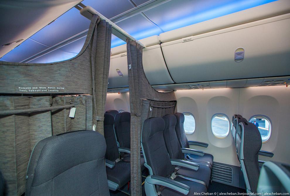 А что общего у новенького 737го ЮТэйр и у Дримлайнера? Ответ — Sky Interior!