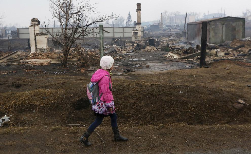 14. По последним данным, в Хакасии погибли 29 человек, судьба еще 3 неизвестна. (Фото Ilya Naym