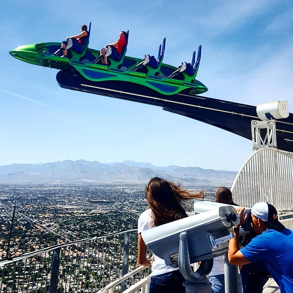 © flickr  Аттракцион X-Scream находится накрыше отеля высотой 350метров. Выглядит онкак ваг