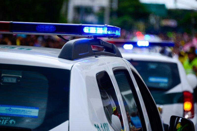 В столице изMercedes сотрудника ФСБ украли сумку Calvin Klein сдокументами