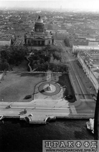 1970-е Вид на пл Декабристов 70-е.jpeg