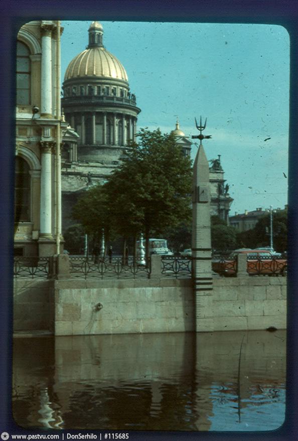 1971-80 Футшток на Мойке.jpg