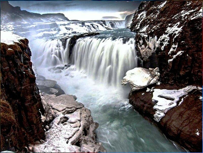 Водопад Гюдльфосс находится на реке Хвитау, в долине Хаукадалур, на юге Исландии...jpg