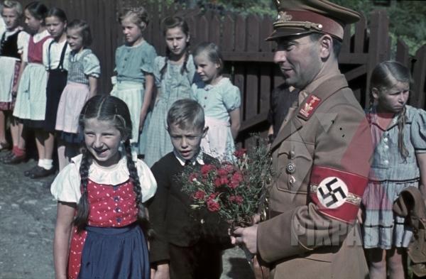 stock-photo-tobias-portschy-leoben-austria-1939-deputy-gauleiter-1939-golden-party-badge-9744.jpg