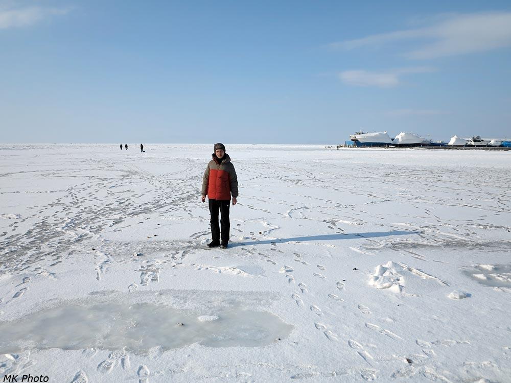 Автор на льду Амурского залива