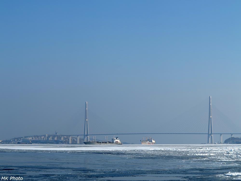 Русский мост и корабли