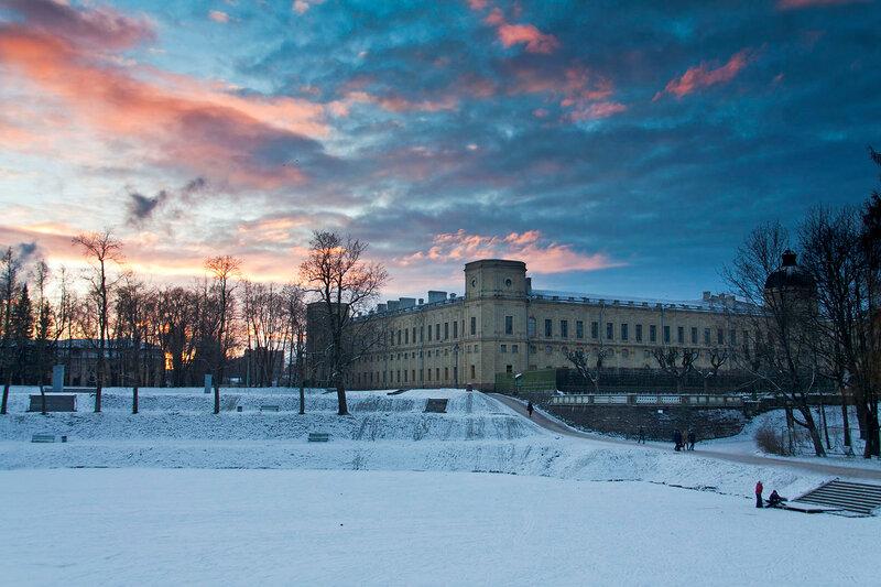 Гатчинский дворец на закате