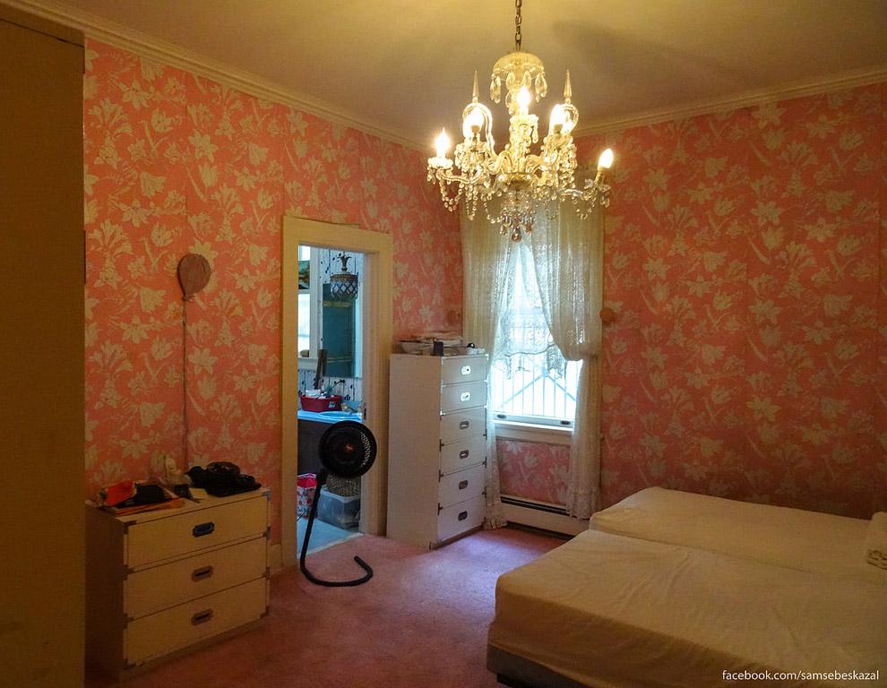30. Это главная спальня хозяев дома.