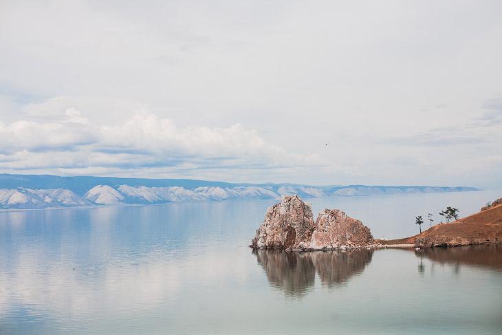 Озеро Байкал такое большое, что его часто ошибочно принимают за море.  1. Это Шаманка — мыс