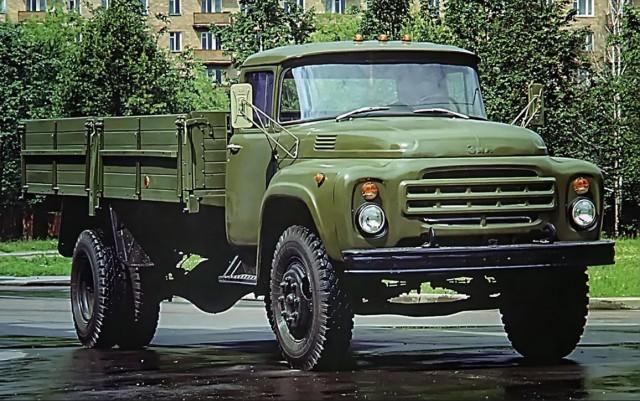 ЗИЛ-130: вспоминаем жизненный путь легендарного грузовика (16 фото)