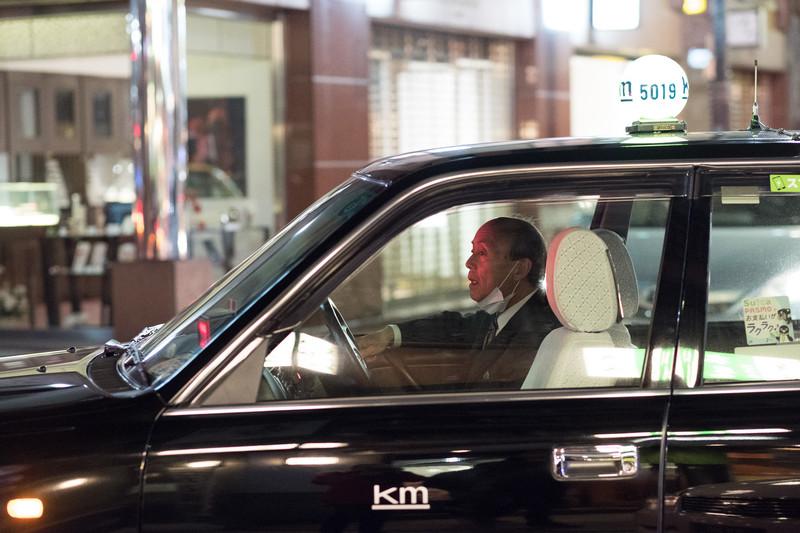 Представителям японской мафии крайне важно… как человек выходит из машины. И мафиозные боссы