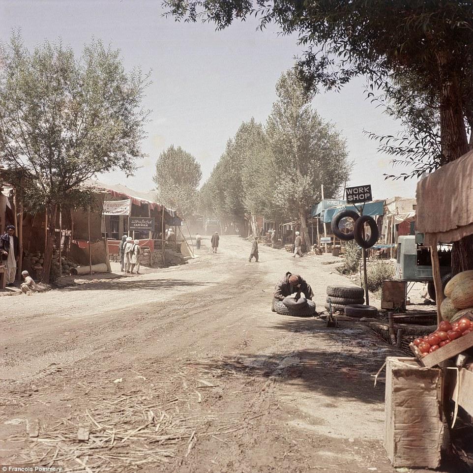 Мастерская на дороге, ведущей в Бамиан.