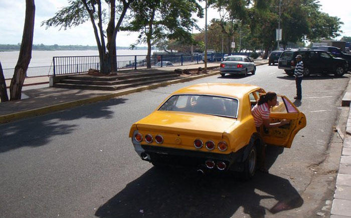 6. Венесуэла Приехав в Венесуэлу будьте готовы к постоянному стрессу на дорогах. Мало того что все о