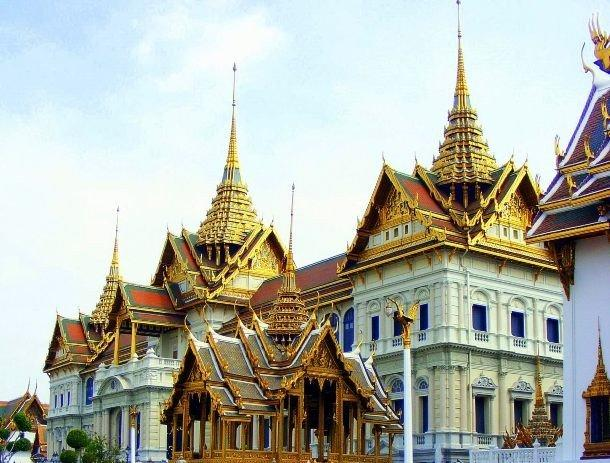 6. Большой дворец, Таиланд Большой дворец, находящийся в центре Бангкока, Таиланд, и является официа