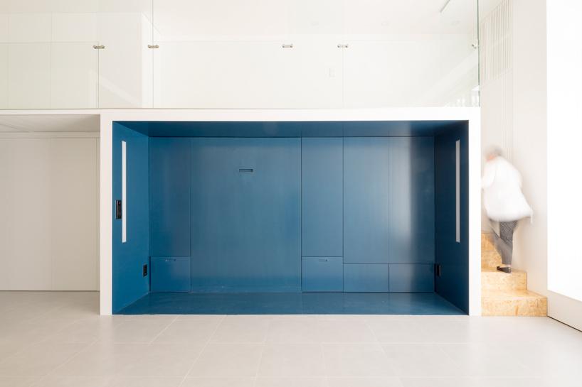 Колоритная мебель для экономии места в квартире