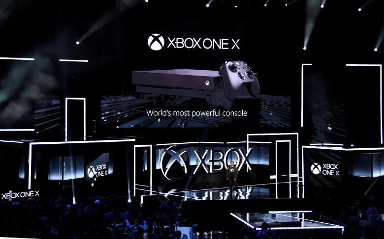 Sony Playstation представляет новую игру «God of War».
