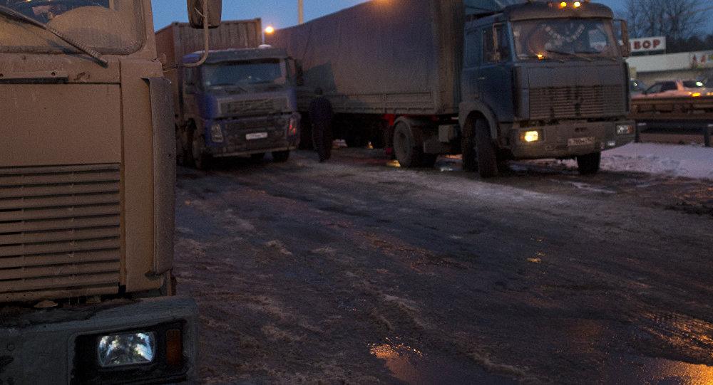 Шофёр фуры мог уснуть зарулем— вероятная причина ДТП под Саратовом