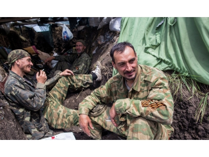 Боевики и русский спецназ устроили между собой стрельбу вНовоазовске