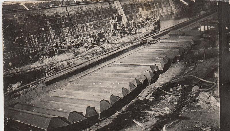 Британская подводная лодка L55 в Алексеевском доке. 1928 г.