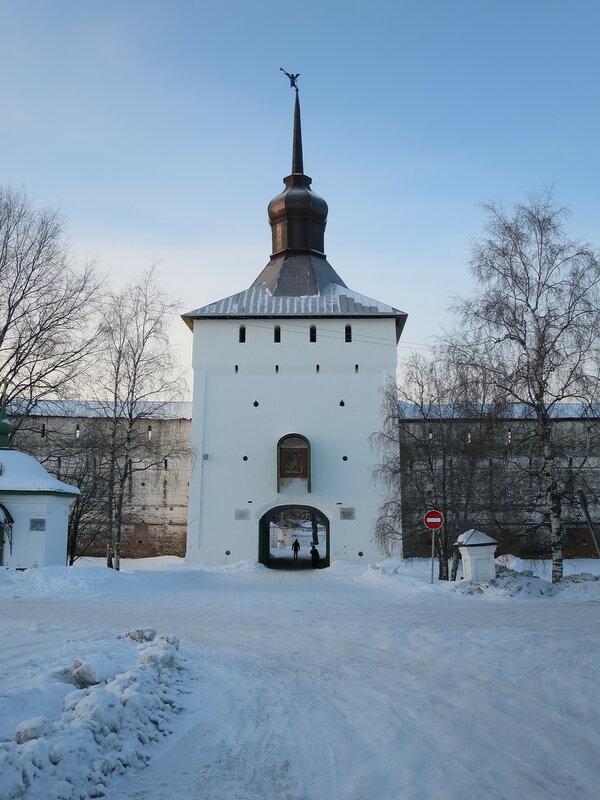 Кирилло-Белозерский монастырь. Казанская башня