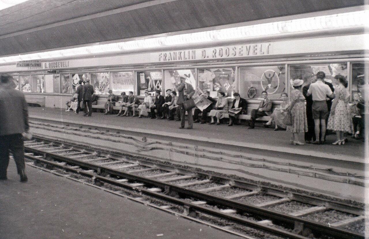 25 июля. Станция метро Франклин Рузвельт