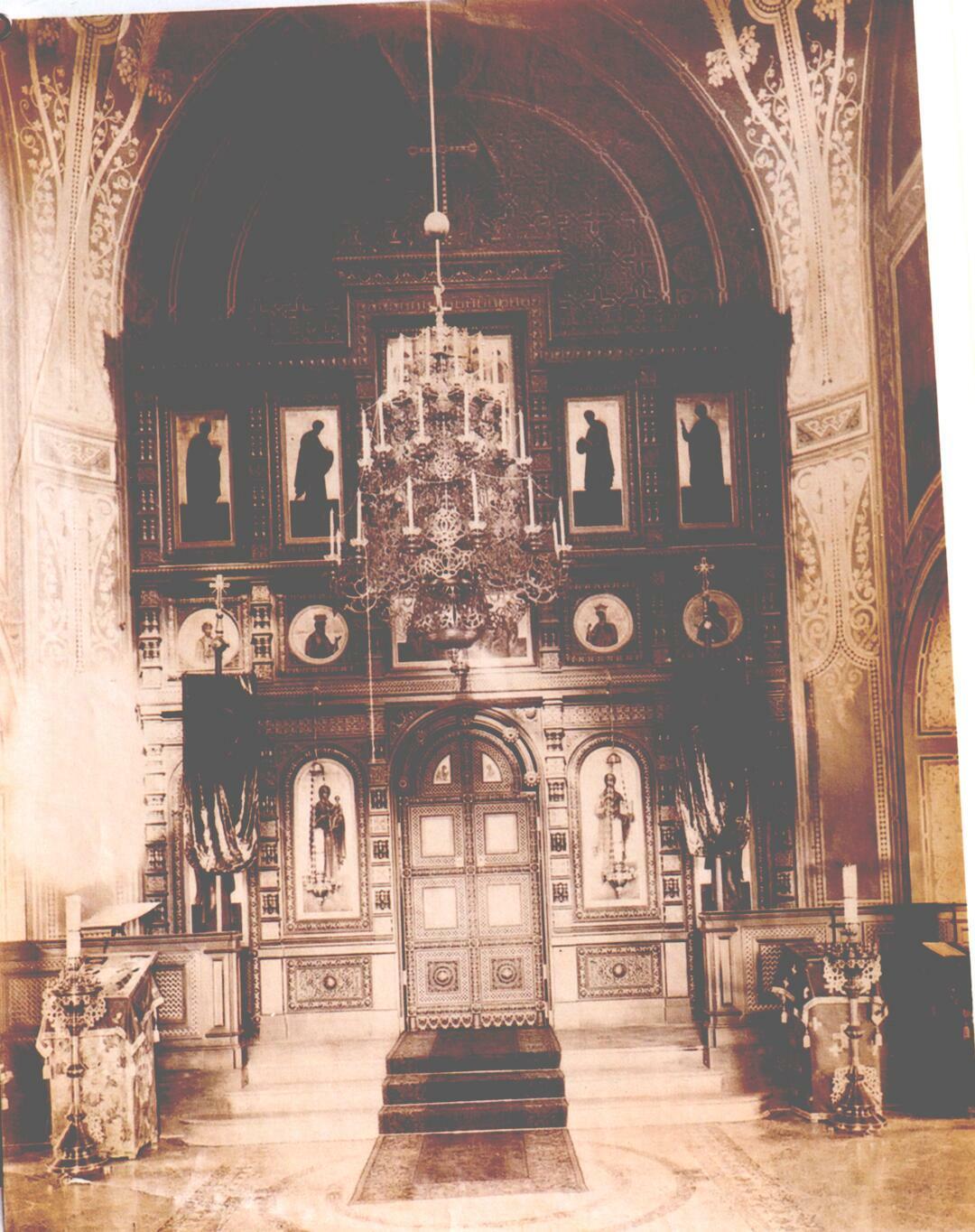 Церковь Покрова Пресвятой Богородицы. Интерьер церкви