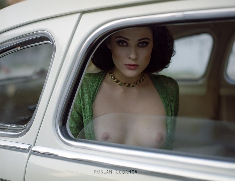 Интересное «Ню» Руслана Лобанова