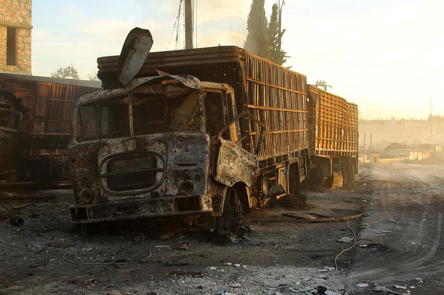 Разбитый гуманитарный конвой в Алеппо.png